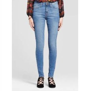 Mossimo High Rise Skinny Jeans NWT SIZE 4